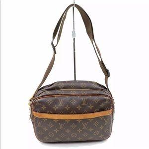 Authentic Louis Vuitton reporter pm shoulder bag